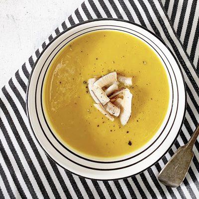 Potage à la courge butternut et à la citronnelle